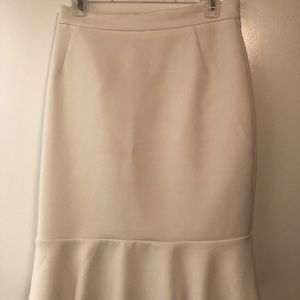 H&M white peplum skirt. Size 10.